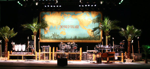 image of fabricated palm trees at jimmy Buffett concert